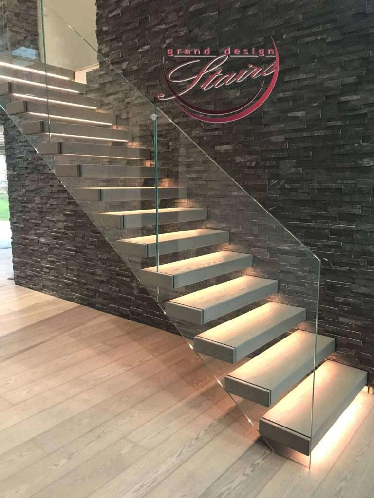 Escalier Marches Suspendues Mur escaliers sur mesure - gamme complete d'escaliers modernes